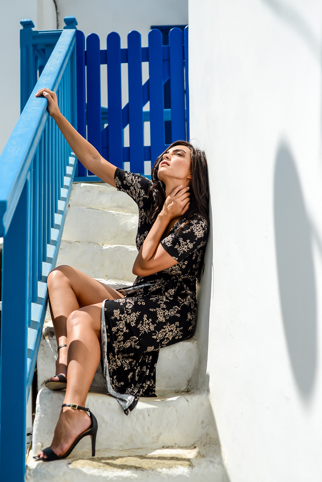 mykonos photographer blogger #mykonosphotographer mykonosgreece #mykonosphotography portrait lifestyle #mykonosportrait blogger photographer mykonos magazine small street little venice shooting